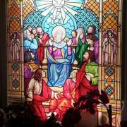 Buntglasfensterfolie Kirchenfenster als Sichtschutz und Fensterdekor